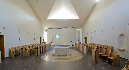 Coatacoustic systeem in de kapel van Abdij Koningsoord voor een betere akoestiek.